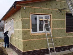 Чем лучше утеплить фасад своего дома?