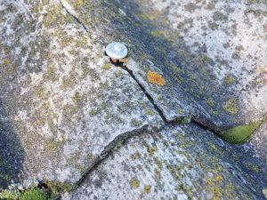 трещины в шиферной крыше